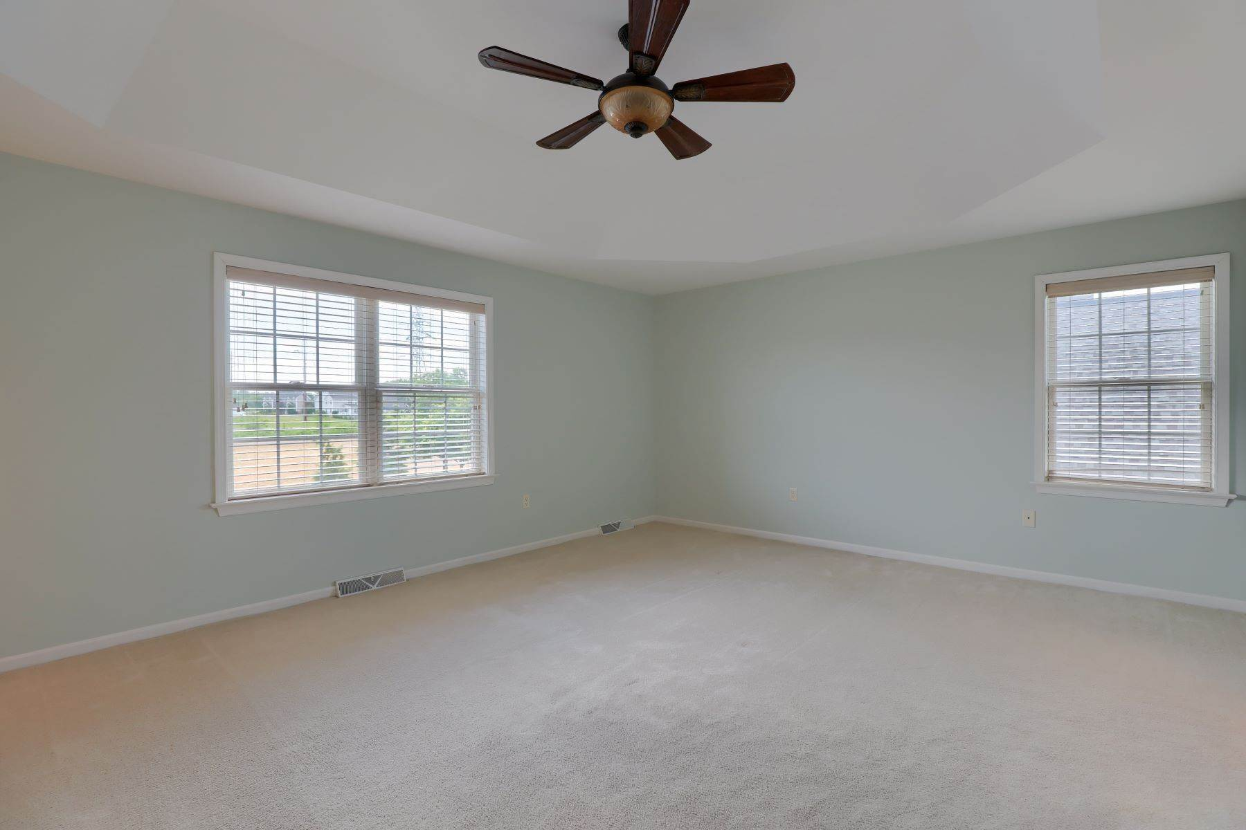 22. Single Family Homes for Sale at 18 Jared Place Lititz, Pennsylvania 17543 United States