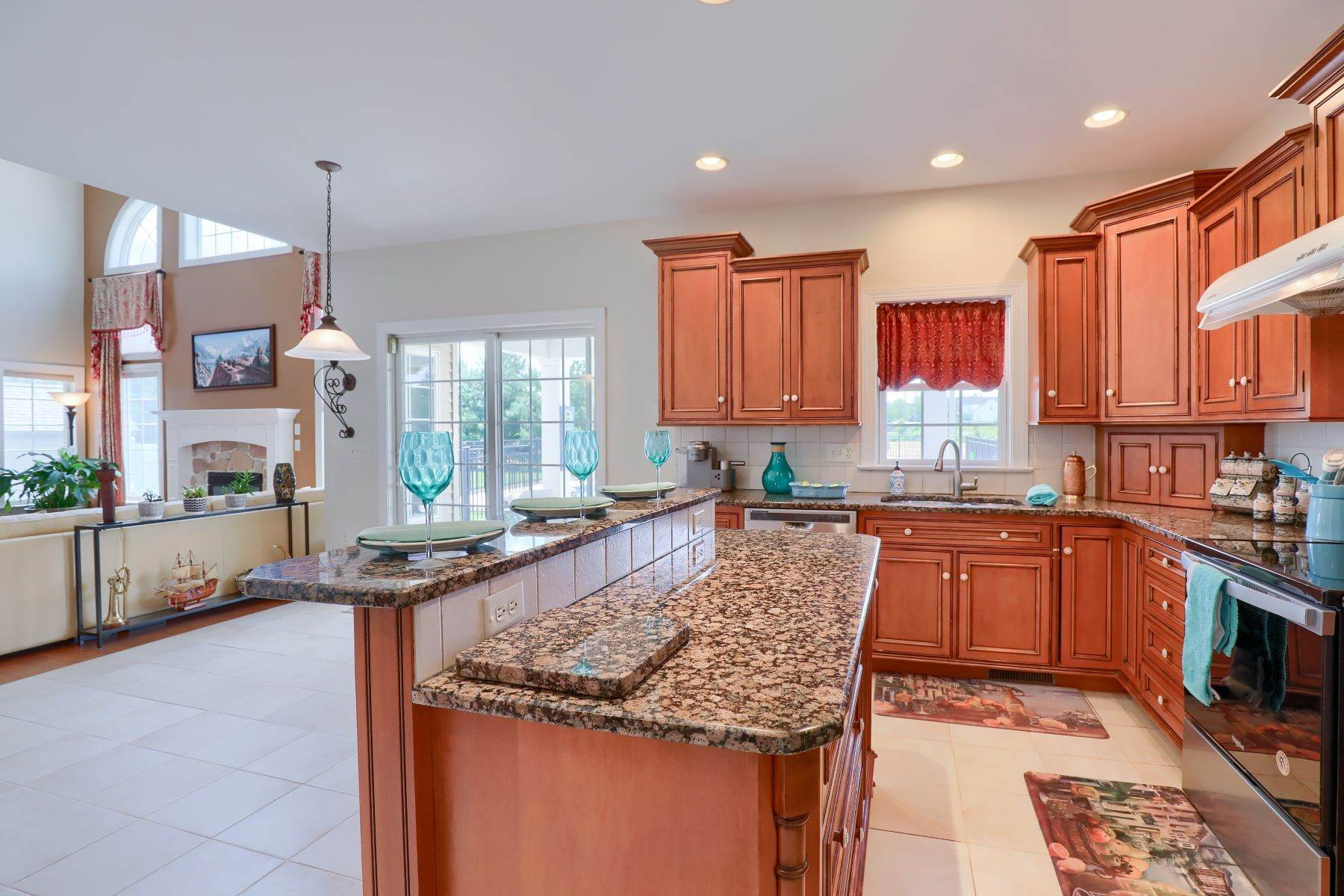 11. Single Family Homes for Sale at 18 Jared Place Lititz, Pennsylvania 17543 United States