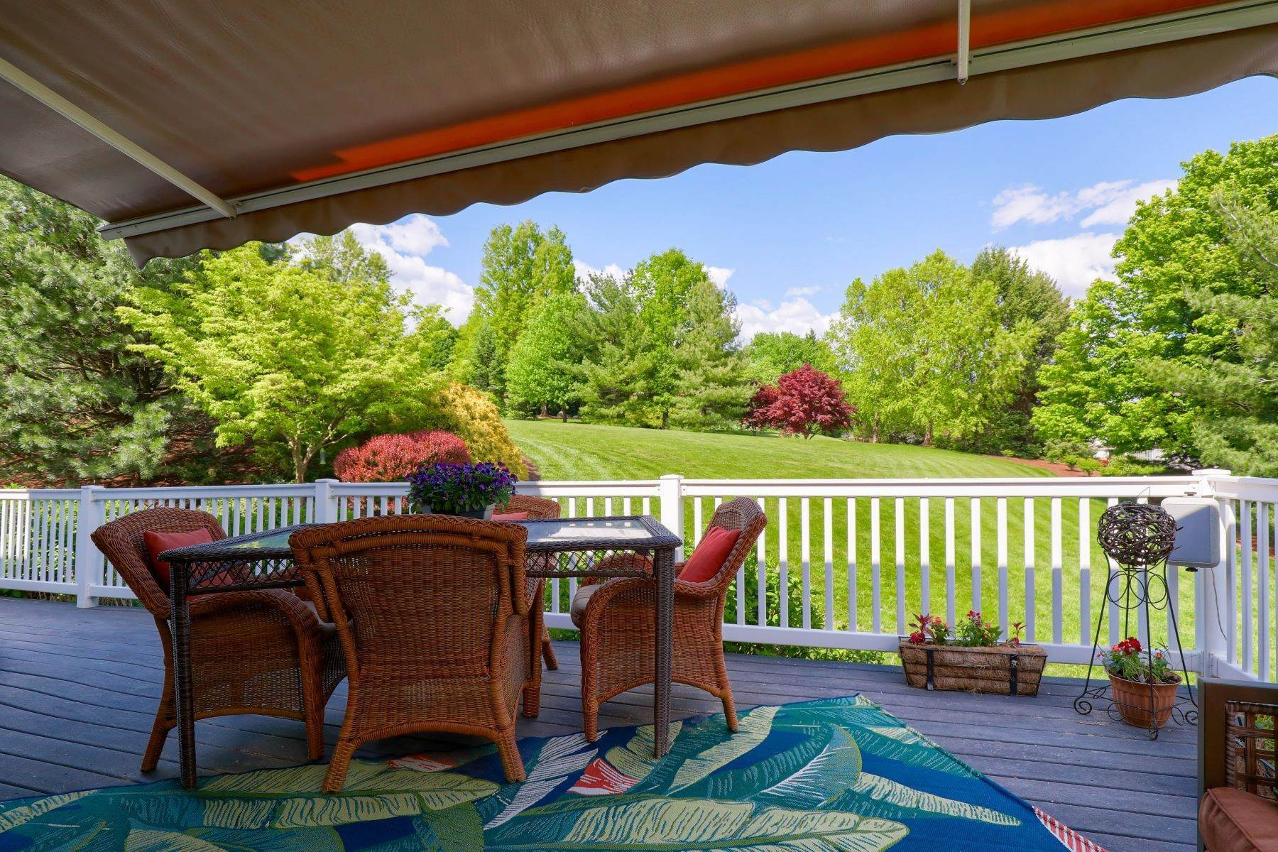2. Single Family Homes for Sale at 195 W Millport Road Lititz, Pennsylvania 17543 United States